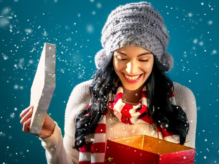 The Gift of Wellness: 9 Feel-Good Gifts of the Season