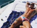 Luke Evans Sizzles In New Thirst Trap Workout Photo